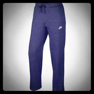 Nike Men's Sportswear Club Fleece Sweatpants. NWT